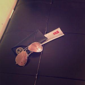 Ray-Ban Accessories - Ray-Ban Pink flash lens aviators!!!
